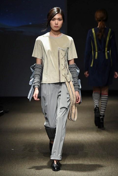 Quan quan Ngoc Chau noi bat tren san dien Seoul Fashion Week hinh anh 6