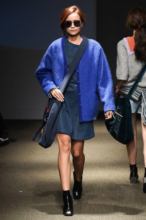 Quan quan Ngoc Chau noi bat tren san dien Seoul Fashion Week hinh anh 3