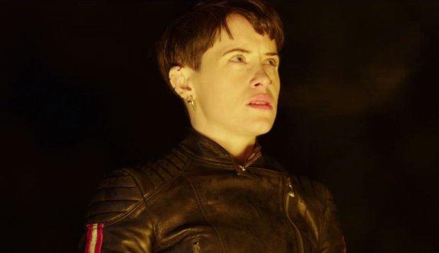 Khán giả có dịp hội ngộ với nữ hacker lập dị Lisbeth Salander (do Claire Foy thủ vai)