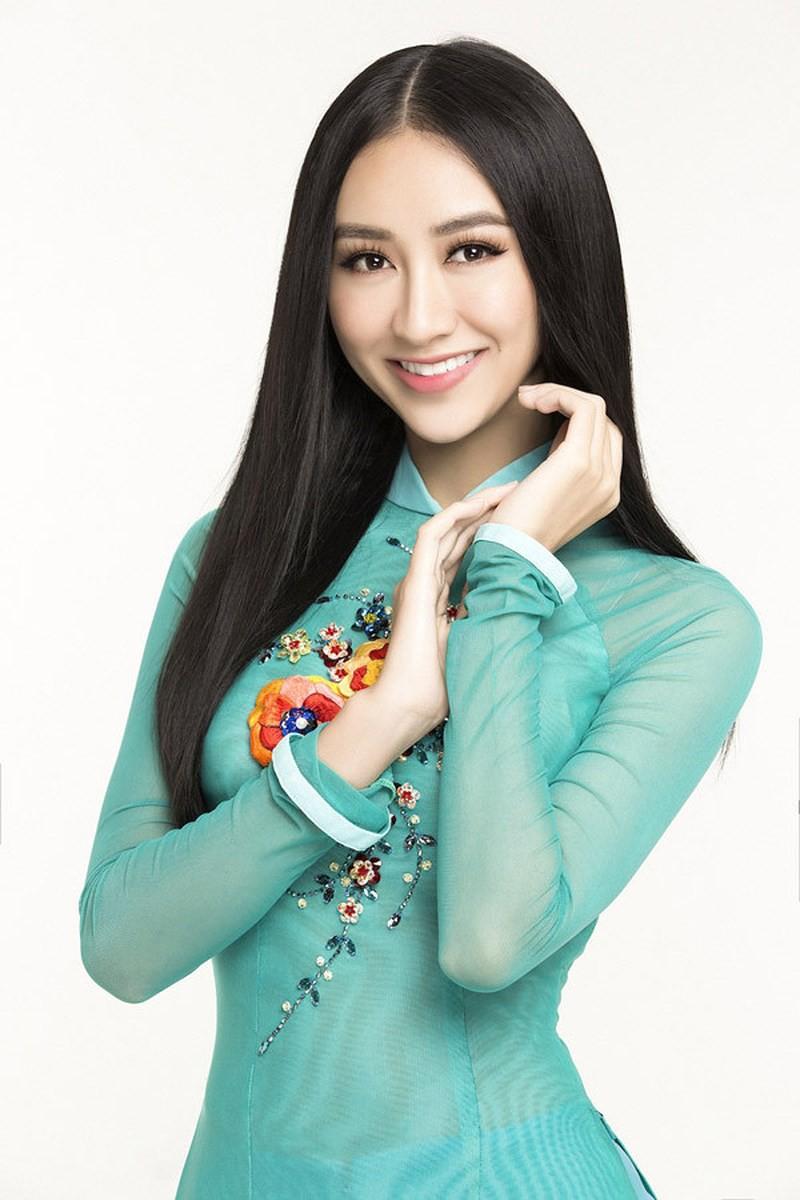 Á hậu Hà Thu tham gia chương trình này khiến nhiều người bất ngờ. Trước đó, người đẹp đã từng giành giải Quán quân