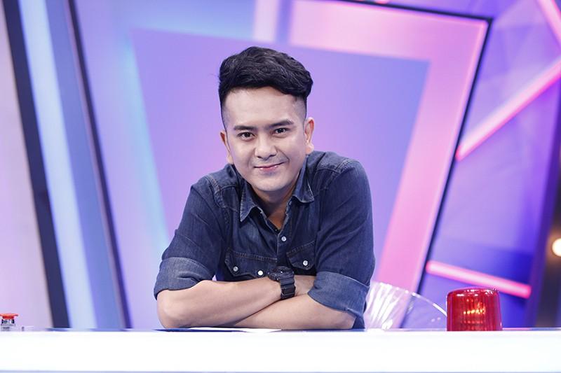Sau một thời gian vắng bóng trên sóng truyền hình, diễn viên Hùng Thuận đánh dấu sự trở lại của mình ở