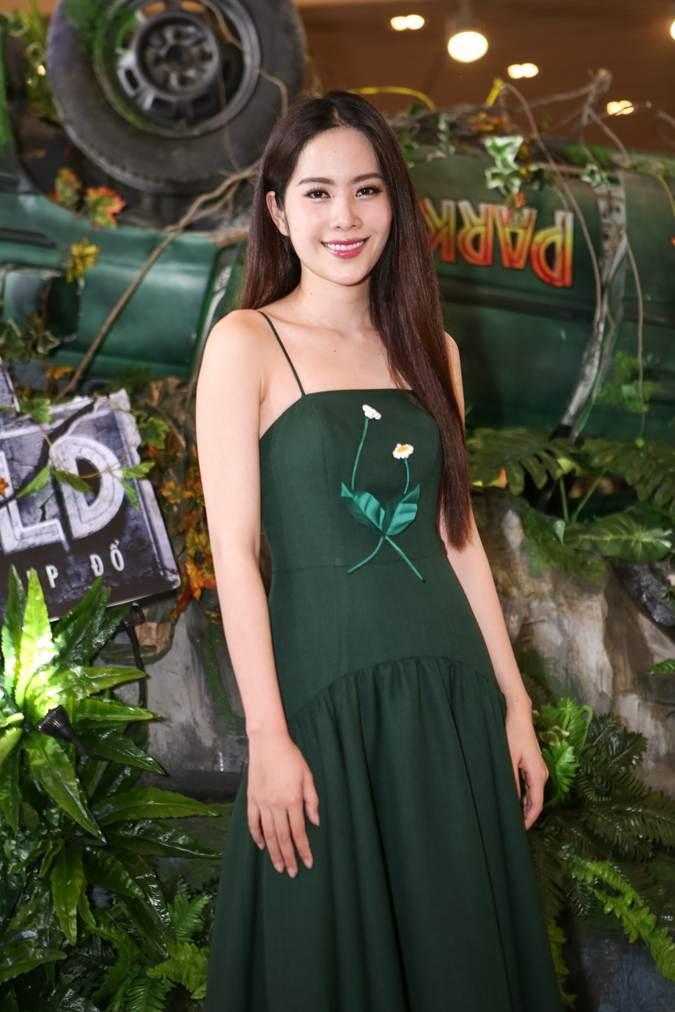 Ho Ngoc Ha lan dau dung do Nam Em sau on ao tinh cam voi Chu Dang Khoa hinh anh 2