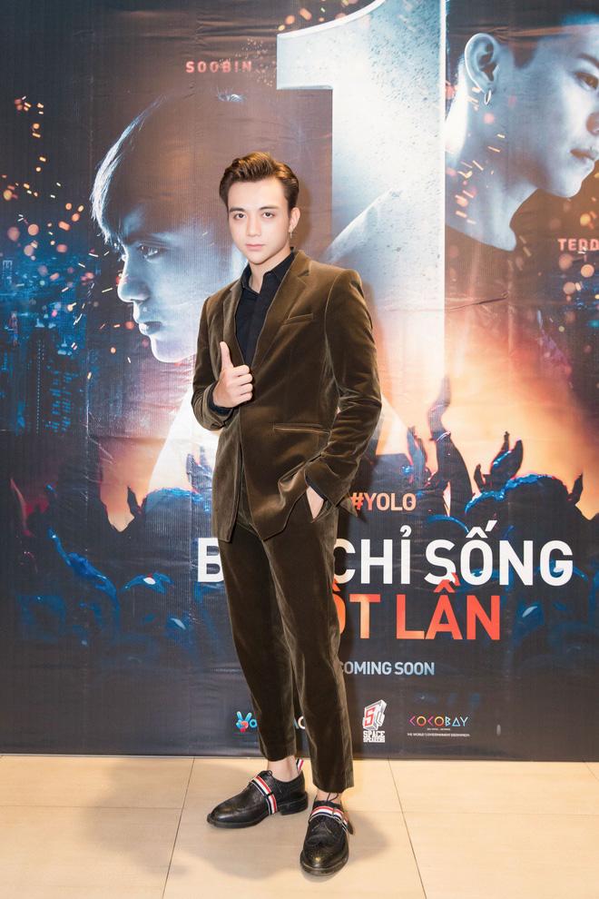 Soobin Hoàng Sơn bảnh bao trong buổi ra mắt phim điện ảnh đầu tay - Ảnh 1.