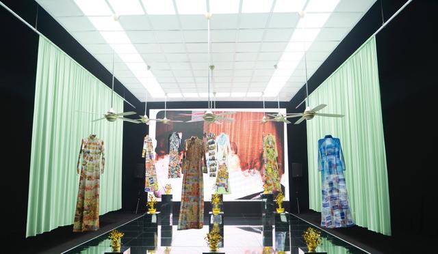10 không gian nghệ thuật trong triển lãm Cục Im Lặng của Nguyễn Công Trí: Choáng ngợp, lộng lẫy và tuyệt đối công phu - Ảnh 35.