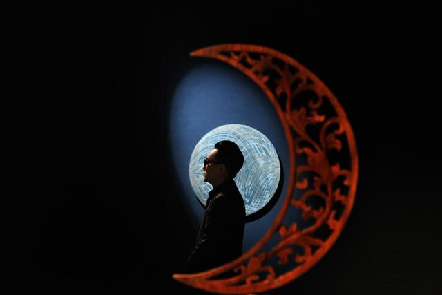 10 không gian nghệ thuật trong triển lãm Cục Im Lặng của Nguyễn Công Trí: Choáng ngợp, lộng lẫy và tuyệt đối công phu - Ảnh 2.
