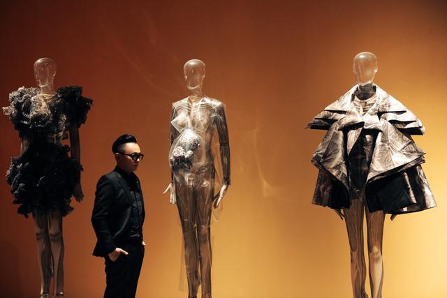 10 không gian nghệ thuật trong triển lãm Cục Im Lặng của Nguyễn Công Trí: Choáng ngợp, lộng lẫy và tuyệt đối công phu - Ảnh 22.