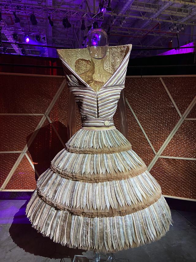 10 không gian nghệ thuật trong triển lãm Cục Im Lặng của Nguyễn Công Trí: Choáng ngợp, lộng lẫy và tuyệt đối công phu - Ảnh 14.