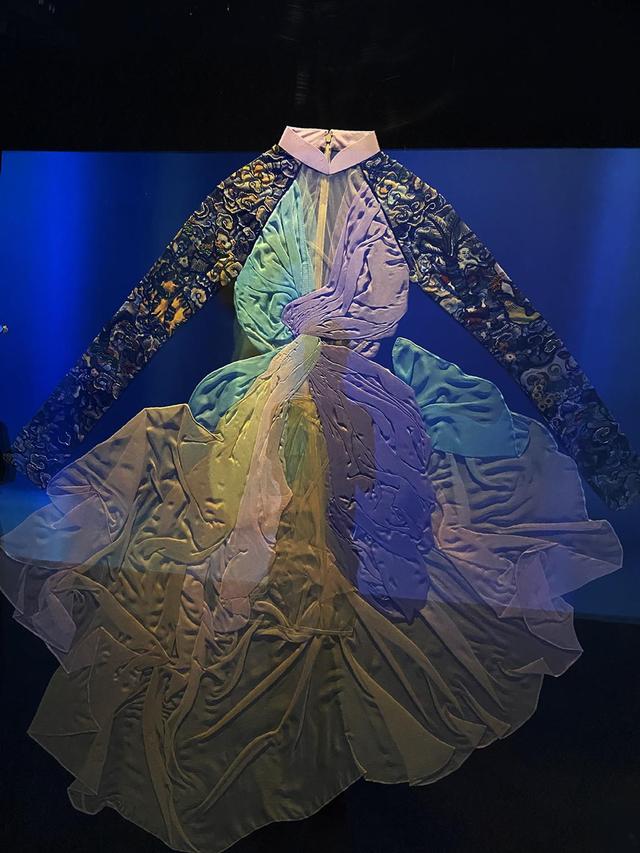 10 không gian nghệ thuật trong triển lãm Cục Im Lặng của Nguyễn Công Trí: Choáng ngợp, lộng lẫy và tuyệt đối công phu - Ảnh 11.