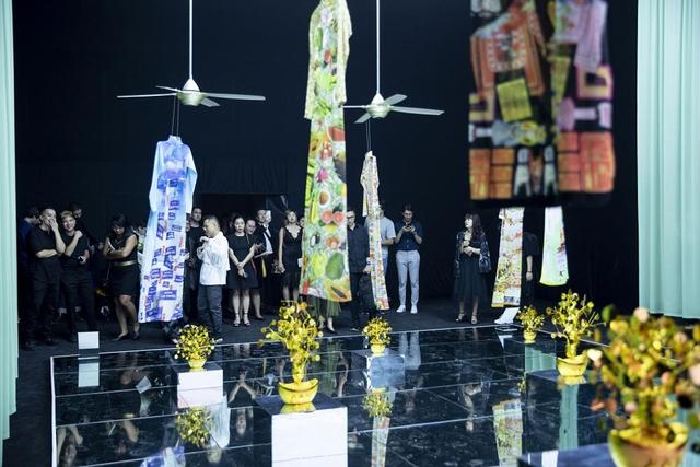 10 không gian nghệ thuật trong triển lãm Cục Im Lặng của Nguyễn Công Trí: Choáng ngợp, lộng lẫy và tuyệt đối công phu - Ảnh 37.