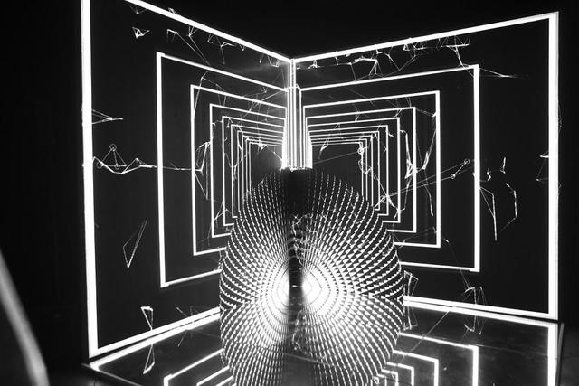 10 không gian nghệ thuật trong triển lãm Cục Im Lặng của Nguyễn Công Trí: Choáng ngợp, lộng lẫy và tuyệt đối công phu - Ảnh 44.