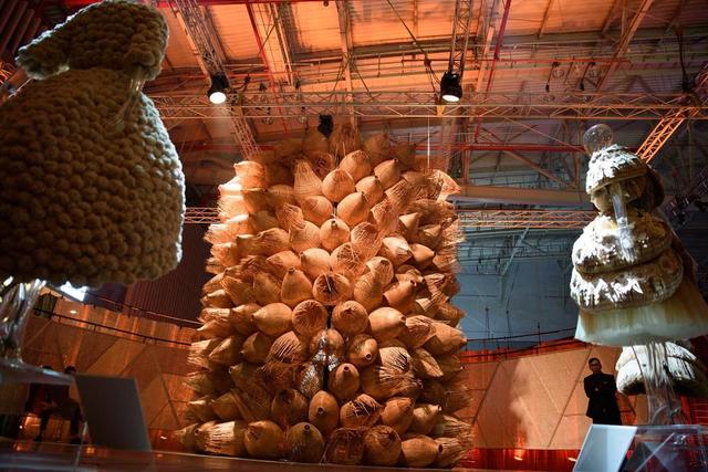 10 không gian nghệ thuật trong triển lãm Cục Im Lặng của Nguyễn Công Trí: Choáng ngợp, lộng lẫy và tuyệt đối công phu - Ảnh 19.