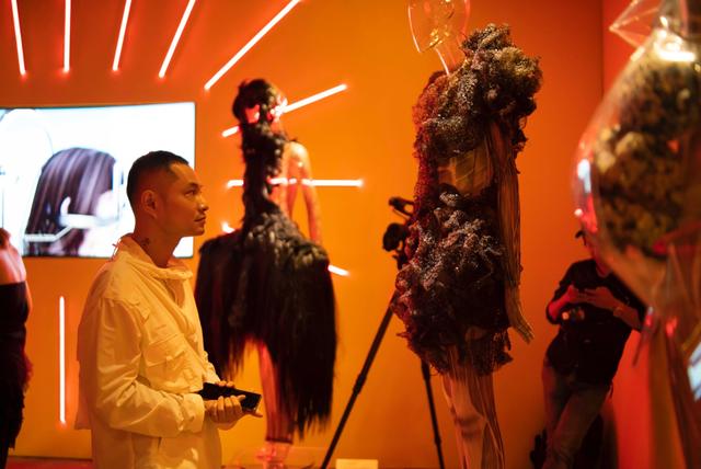 10 không gian nghệ thuật trong triển lãm Cục Im Lặng của Nguyễn Công Trí: Choáng ngợp, lộng lẫy và tuyệt đối công phu - Ảnh 24.