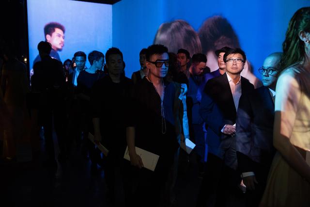 10 không gian nghệ thuật trong triển lãm Cục Im Lặng của Nguyễn Công Trí: Choáng ngợp, lộng lẫy và tuyệt đối công phu - Ảnh 8.