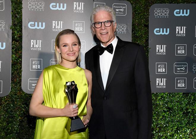 Kristen Bell nhận giải thưởng #SeeHer cao quý nhằm tôn vinh những phụ nữ dám phá vỡ giới hạn, vượt ra khỏi rào cản định kiến về giới trong ngành giải trí /// Ảnh: Getty Images